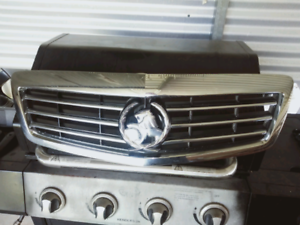 Holden Statesman WM grill