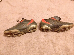 Admiral Soccer cleats - Size 6