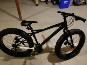 New 2018 21 speed Schwinn fat bike