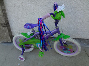 """$135 - Almost NEW Disney Fairies 16"""" with Training Wheels."""