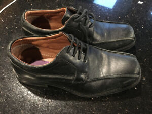 Boys dress shoes size 33