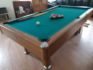 3/4 size pool table