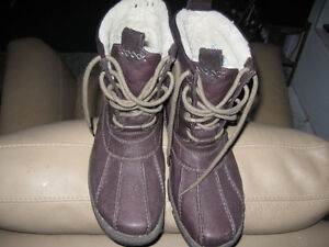 Clarks winter boots Worn a few times only!