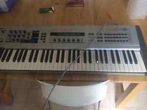 RARE Yamaha CS6X Synth