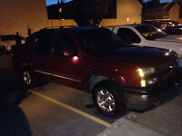 2006 Chevrolet Avalanche Lt 8000 obo or trade
