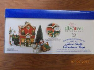 DEPT.56 SILVER BELLS CHRISTMAS SET