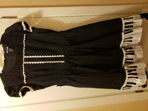 MUST GO TODAY! Hot Topic  pocket dress