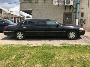 2011 Lincoln Town Car Extended LIMO