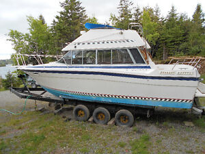 BAYLINER EXCELLENT CONDITION. MANY UPGRADES