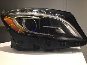 MERCEDES GLA 250 BI-XENON HEADLIGHT PASSENGER OEM USED