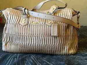 Authentic coach Madison gathered pleated leather, medium bag Kingston Kingston Area image 2