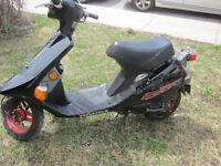 Honda Elite Se Scooter 50cc  fonctionne tres bien