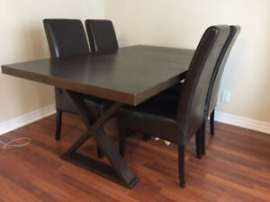 Price cut in half!  Extendable PotteryBarn dining table + chairs