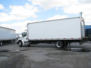 Reefer Truck with Tailgate 2008 Freightliner 26'