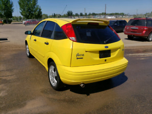 2003 ford focus LOTS OF NEW PARTS
