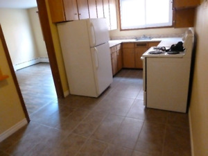 Large 2 Bedroom, Fairview, Heat, Hot W, Parking