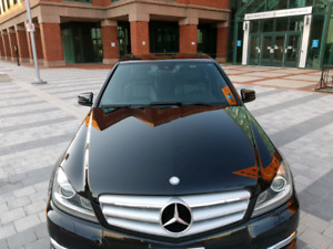 2102 MERCEDES-BENZ C300**ONE OWNER**LIKE NEW**REDUCED!!