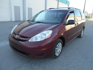2006  Toyota Sienna LE Auto 8 Passenger Great Condition