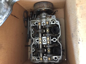 Subaru cylinder heads 2.5l SOHC camouflage of 2004 Forester.