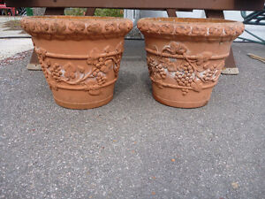 Set of 2 Matching Pots for sale (2 matching sets available)