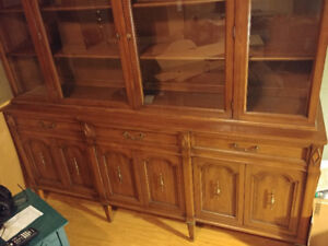 BUFFET AND HUTCH FOR SALE. EXCELLENT CONDITION. BEST OFFER.