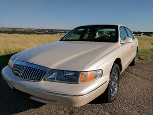 1997 Lincoln Continental - Mint Condition