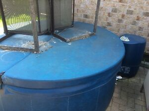 Soft Tub - 6 Person - bi-fold cover- needs work