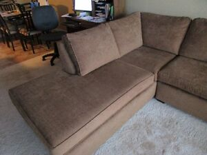 Fabric Full Size Sectional with Chaise – Like New & Immaculate