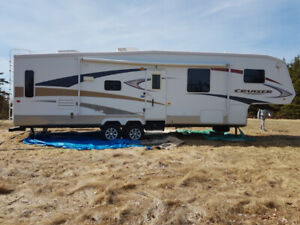 2009 32ft 5th wheel.