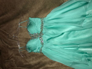 **URGENT** Grad or prom dress *size 6*