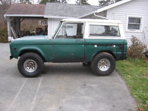 1975 Ford Bronco 4x4 with ranger package