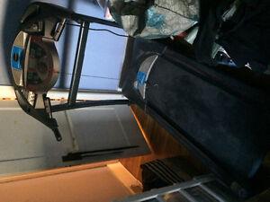 Freespirit 35016 folding treadmill
