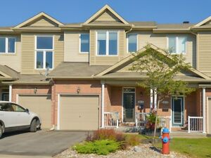 213 Parkrose Private Townhouse for sale: 3 bedroom