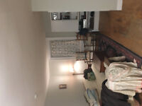 Room for rent - Montreal and Charles street!