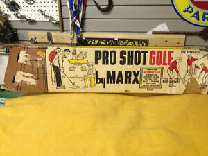 VINTAGE MARX PRO SHOT GOLF GAME WITH CADDY BOX