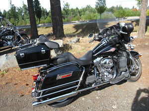 HARLEY DAVIDSON ELECTRA GLIDE CLASSIC VERY LOW MILEAGE