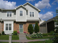 beautiful townhouse for rent available now in Ancaster