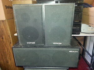 Stereo & CD player with speakers
