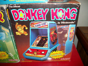 Vintage 1981 COLECO Mini Arcade Game DONKEY KONG w/The Box