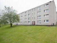 3rd floor 3 bed flat in great location