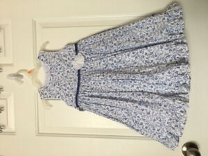 Brand New Condition toddler girl size: 4 dress