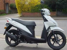 Suzuki UK110 Address lightweight commuter scooter