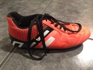 Boys outdoor soccer shoes size 5