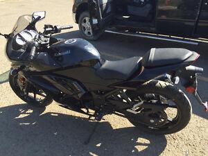 MUST SELL 2013 250 Kawasaki Ninja