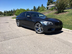 2012 BMW M5 Executive Package Sedan