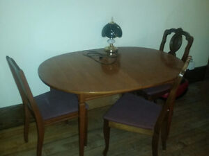 Table chairs china hutch