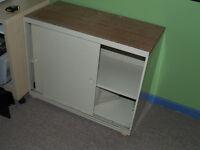 Armoire à papier en métal /Metal copy paper cabinet