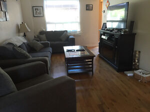 Bowmanville rental detached 3+1