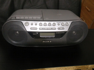 Portable Sony Boom box Model : CFD-S05 . Barely used