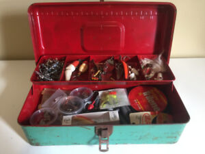 Antique Tackle Box with old lures! | Shipping Available